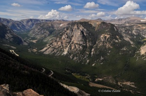 The Beartooth Pass elevation is 10,947 ft (3,337 m).